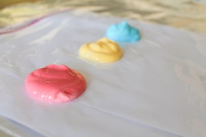 yogurt finger paint (2 of 7)